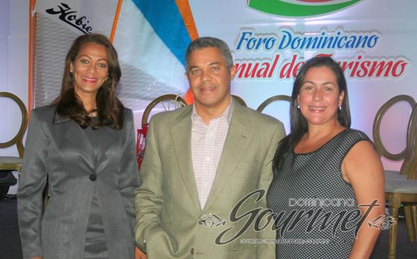 Yasmina Jiménez, Fernando Martínez y Mariam Matías.