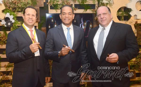 Samuel Mende, Julio Cesar Valentín y Javier Elmedusi
