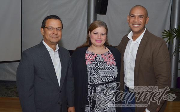 Augusto Valdivia, Patricia Reinoso y Salvador Batista